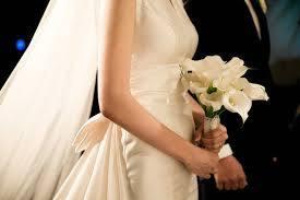 لباس عروس را متناسب با اندام خود بخرید