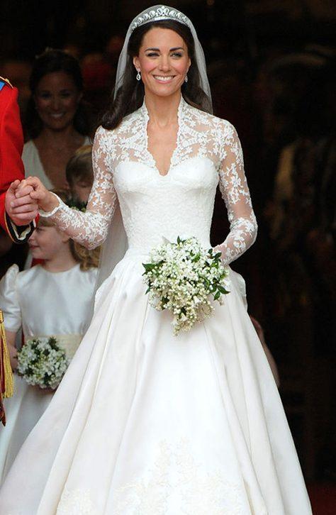 لباس عروسی طرح یقه هفتی