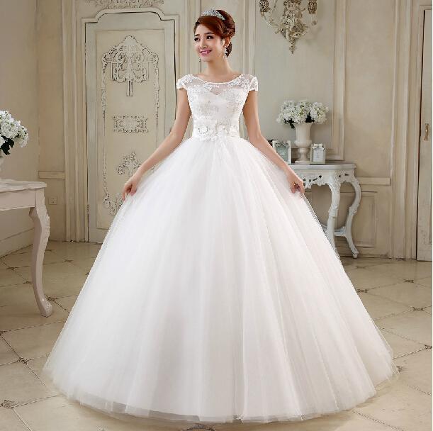 لباس عروس با یقه دکلته